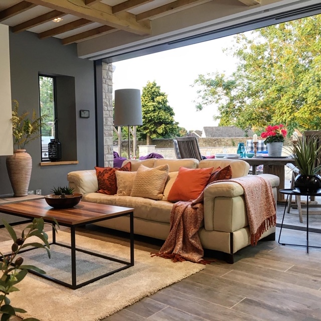 property-styling-company-home-staging-bath-indoor-outdoor-entertaining-area