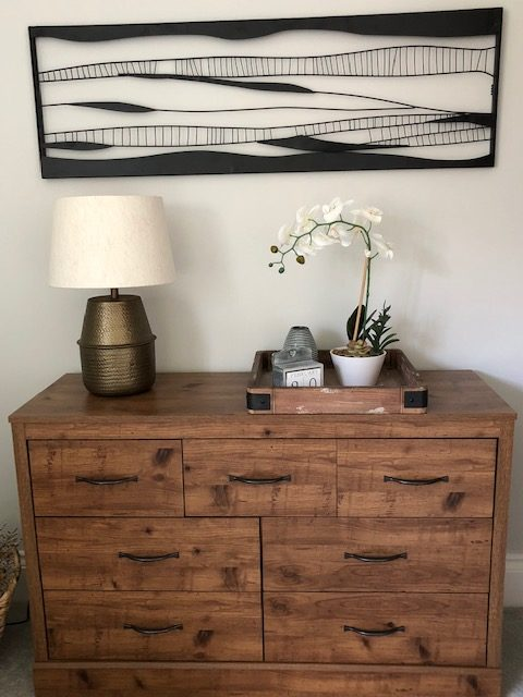 property-styling-company-home-staging-bath-wooden-sideboard-decluttering